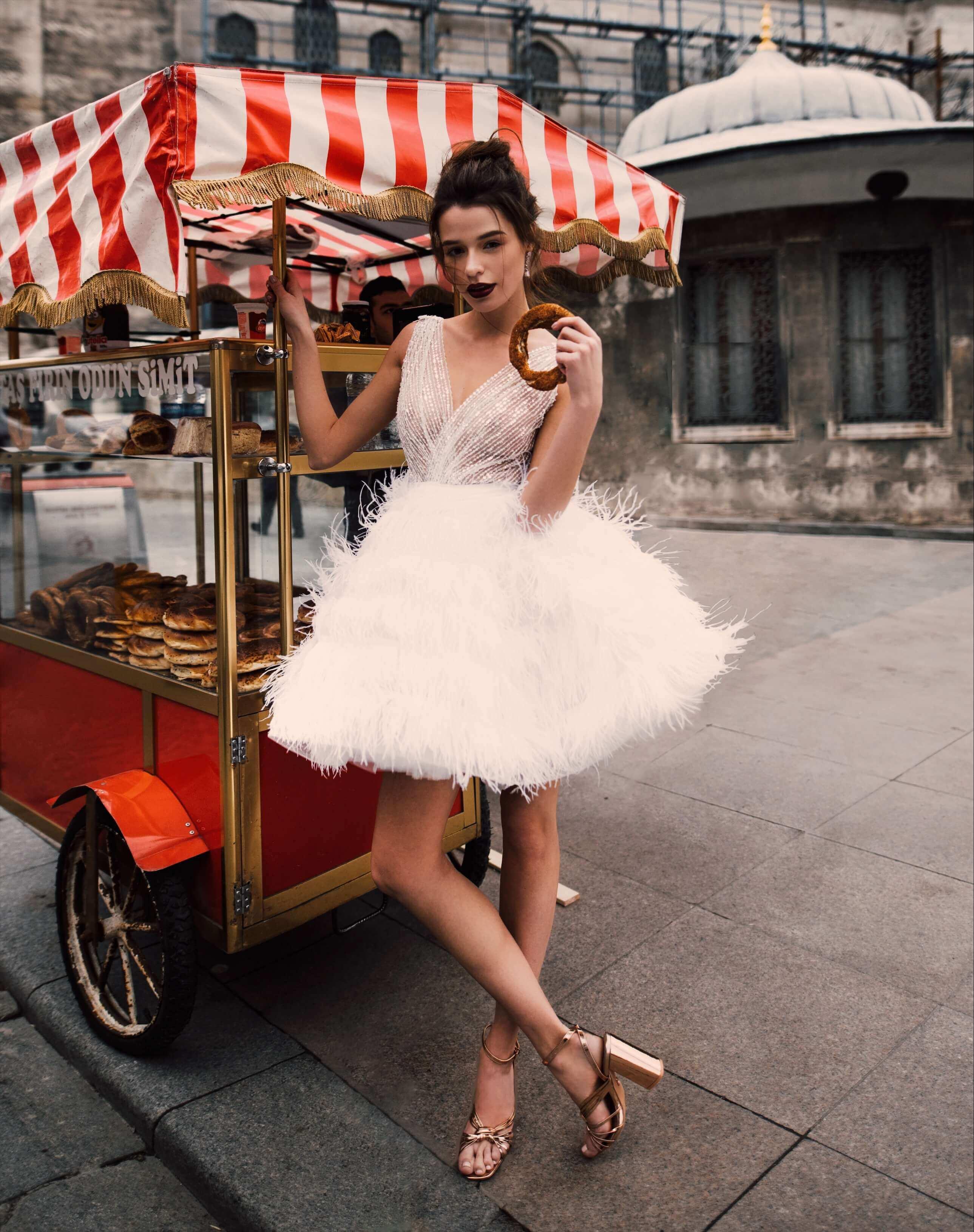Свадебное платье с перьями Alisia от Rara Avis