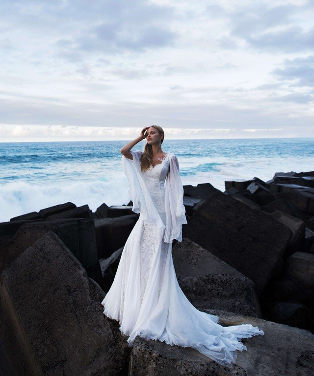 Wedding dress fish silhouette Blait