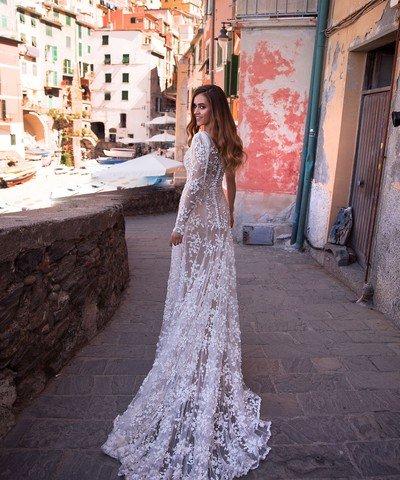 Прямые свадебные платья Ember