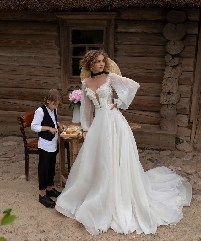Платья Wedding Bloom Lakrima