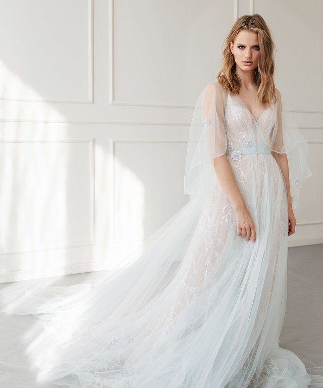 Transformer wedding dress Lora + Enn