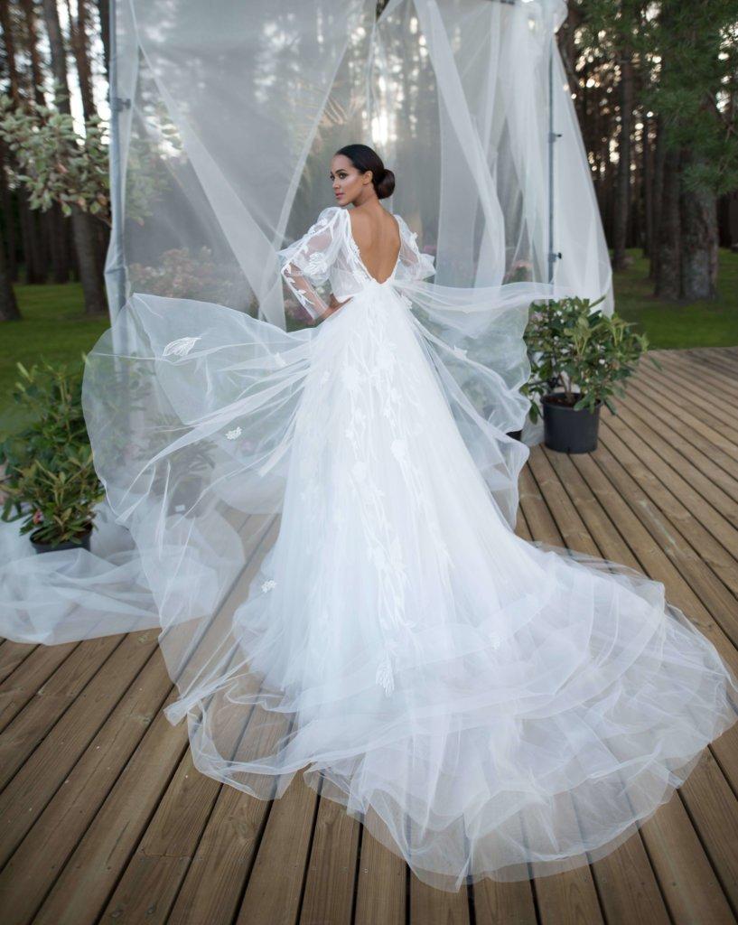 Платье в бальном стиле Tailer