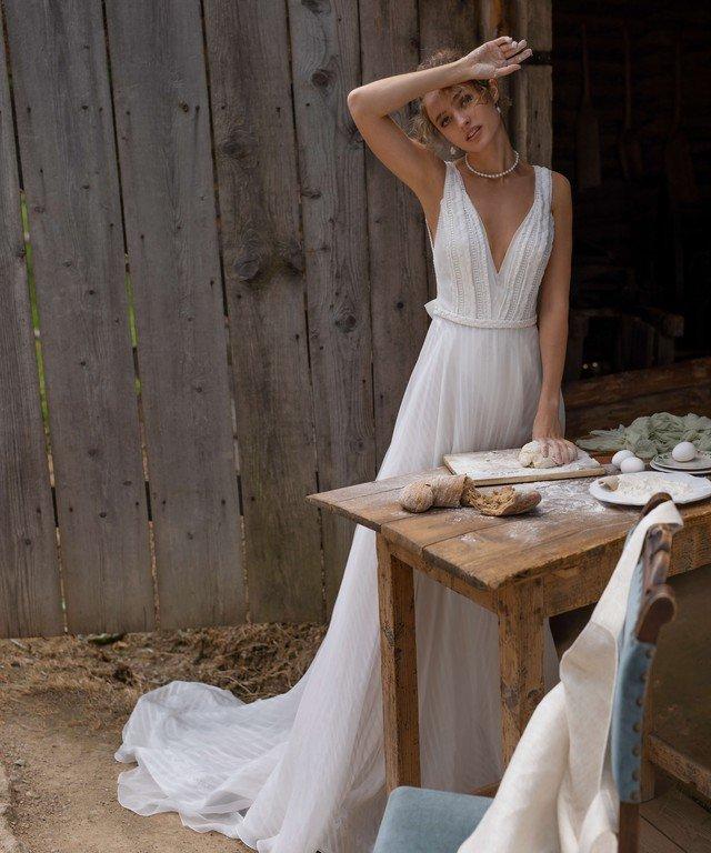 Платья Платья со шлейфом Vincenta+Ineli body