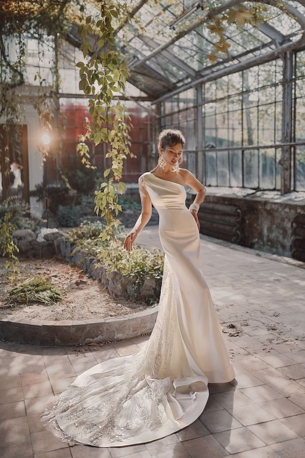 Прямые свадебные платья Anri