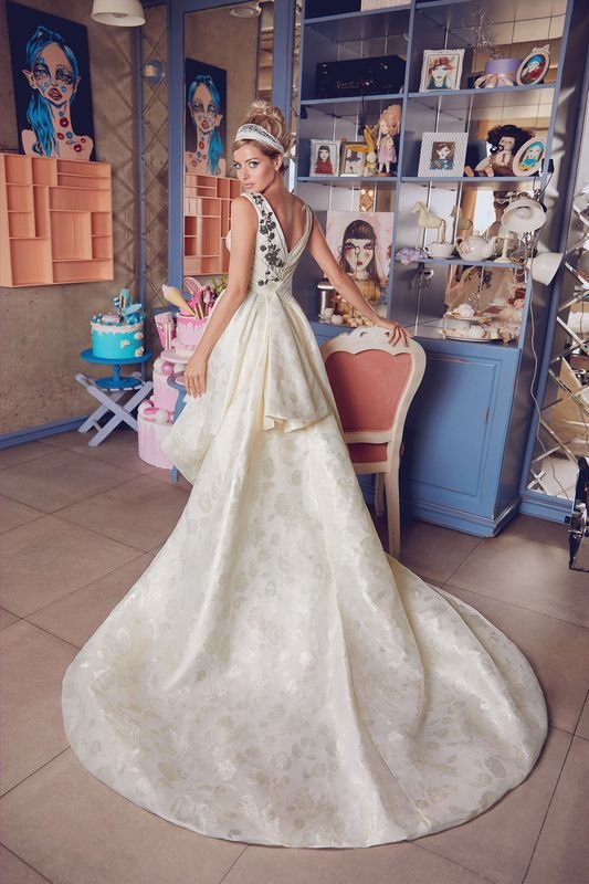 Backless Wedding Dresses Assynta